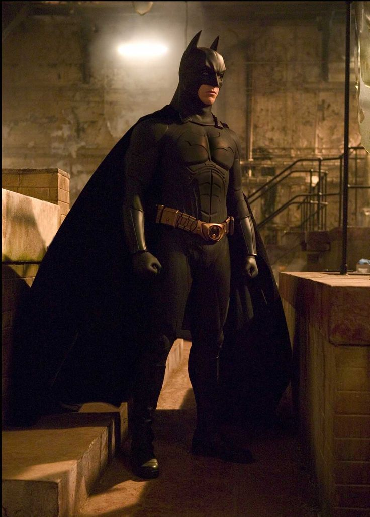 O uniforme do Batman: analisando as origens e referências do batsuit nos cinemas