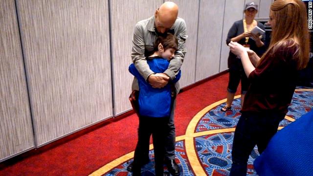 Patrick Stewart realiza sonho de fã de Star Trek que sofre de doença rara