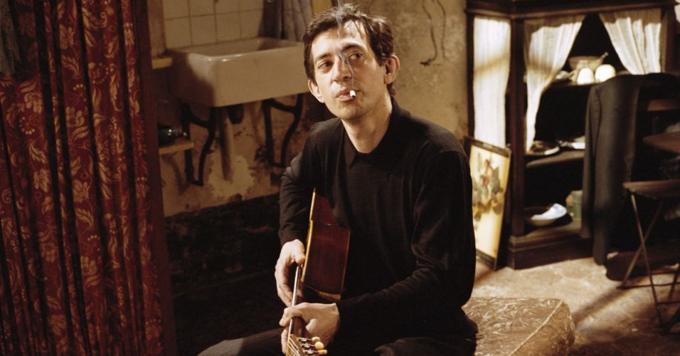 Filmes sobre icones da música proibido ler  Gainsbourg - O Homem que amava as mulheres (2010) Joann Sfar