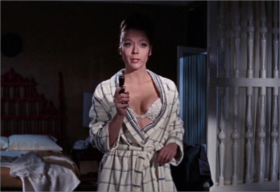 Bond-Girls-Parte-2-Musas-dos-anos-60-e-70_11