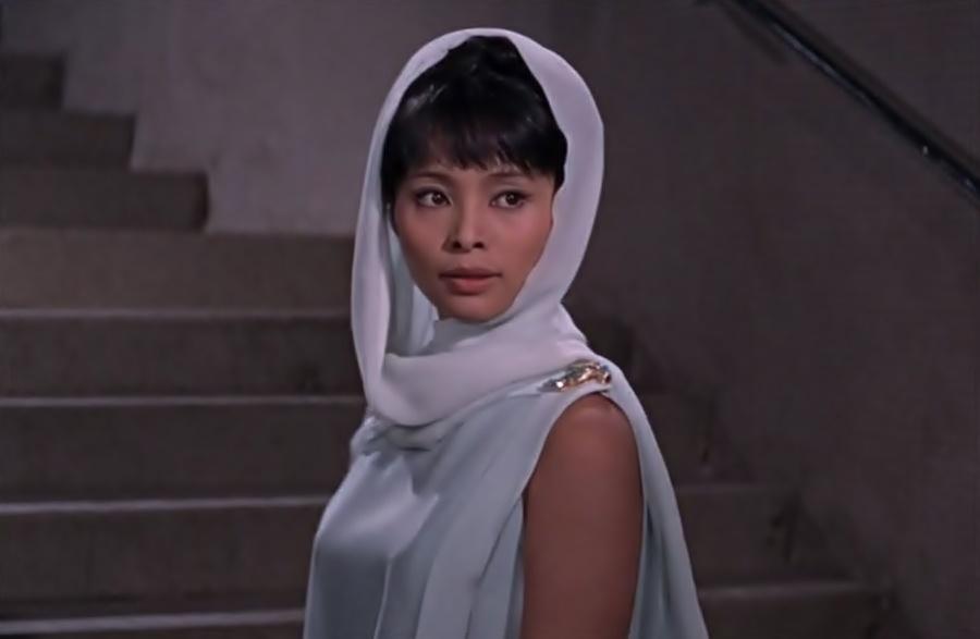 Bond-Girls-Parte-2-Musas-dos-anos-60-e-70_13 (2)