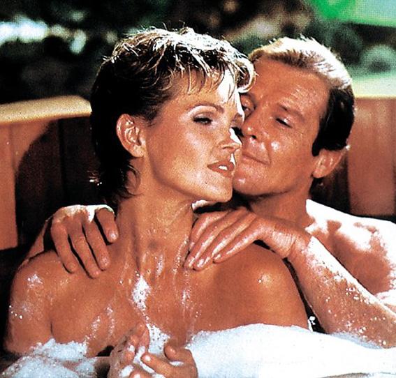 Bond-Girls-Parte-4-musas-de-007-nos-anos-80_10