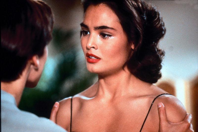 Bond-Girls-Parte-4-musas-de-007-nos-anos-80_14