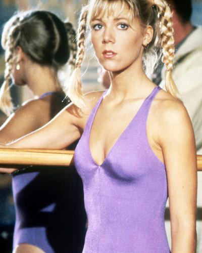 Bond-Girls-Parte-4-musas-de-007-nos-anos-80_2