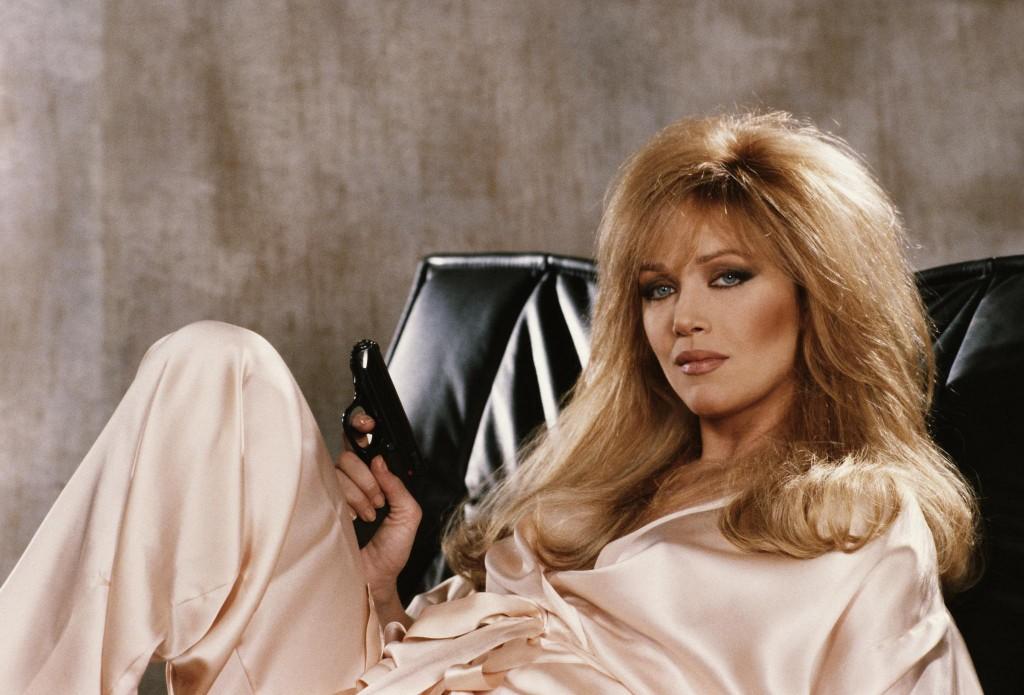 Bond-Girls-Parte-4-musas-de-007-nos-anos-80_7