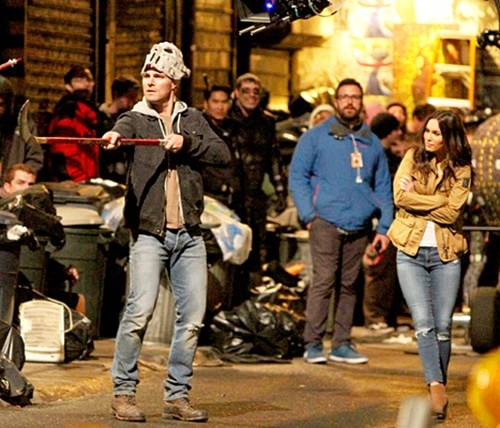 As Tartarugas Ninja 2 | Fotos de Stephen Amell como Casey Jones no set