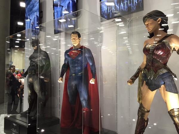 SDCC2015 - Batman Vs Superman - O Alvorecer Da Justiça  Confira fotos de tudo que está rolando 32-min