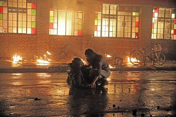 Marvel's Jessica Jones | Imagens oficiais da série mostram Luke Cage em chamas