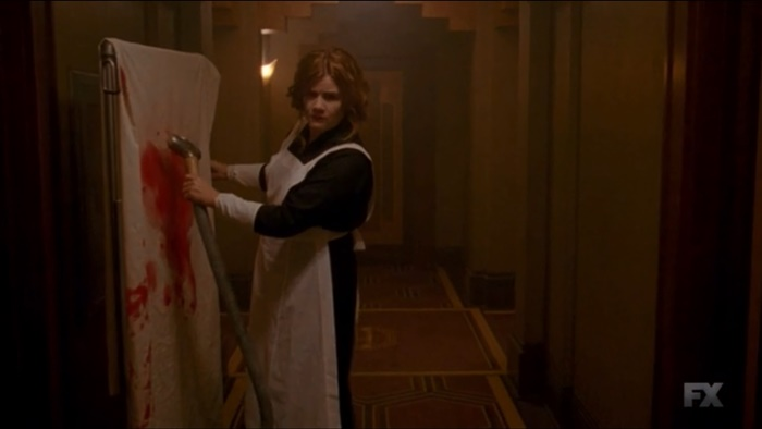 "American Horror Story: Hotel | Review do episódio 5×01 – ""Checking In"""