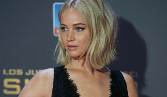 Jennifer Lawrence | Atriz leva o maior tombo em pré-estreia de Jogos Vorazes