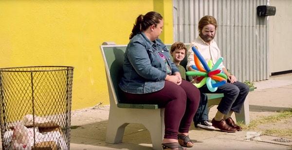"Baskets | Review do episódio 1x01 - ""Renoir"""