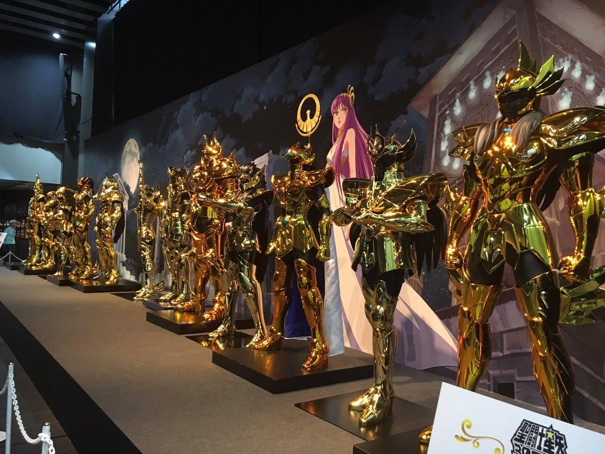 os-cavaleiros-do-zodiaco-armaduras-em-tamanho-real-sao-apresentadas-em-evento
