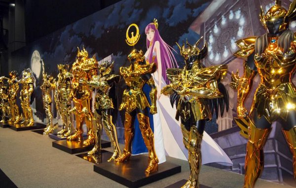 os-cavaleiros-do-zodiaco-armaduras-em-tamanho-real-sao-apresentadas-em-evento2