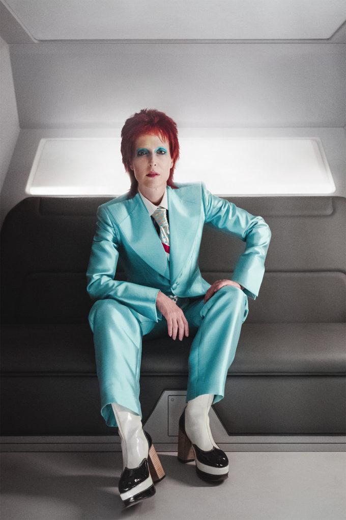 Deuses Americanos | Veja Gillian Anderson como David Bowie!