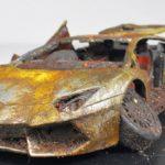 Restaurando uma miniatura Lamborghini Aventador abandonada