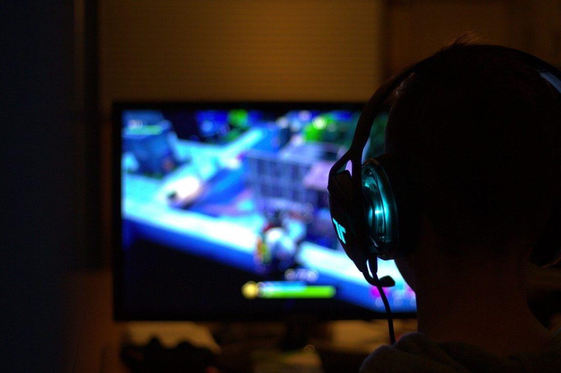 Entenda a melhor forma de investir na sua carreira gamer