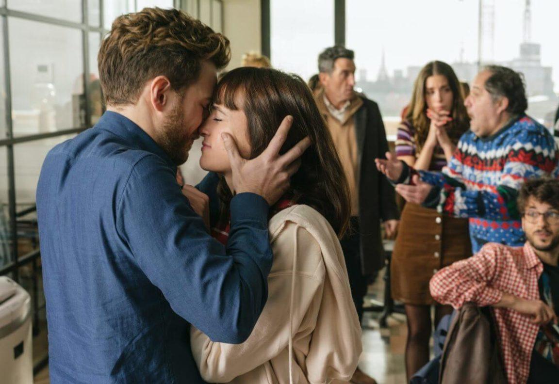 Loucura de Amor (2021) | Ótimo roteiro e reviravoltas que prendem o espectador
