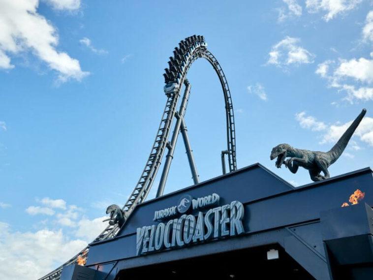 Jurassic World | Montanha russa vai atingir 110km/h
