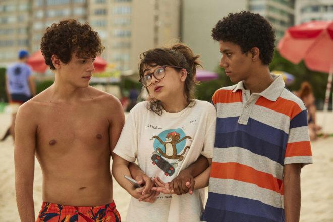 Confissões de Uma Garota Excluída (2021)   Filme acerta ao dialogar com atual geração